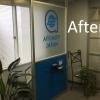 オフィスの受付が4時間でガラリと変わる!アルミパーティションの活用事例