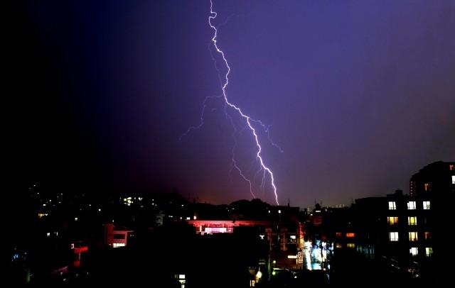 7~9月は要注意!オフィスにおける雷対策について画像2