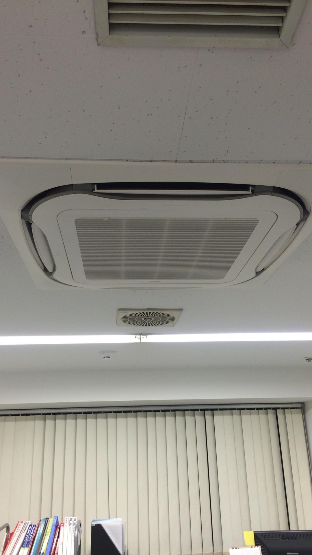 エアコン 天井埋め込み型