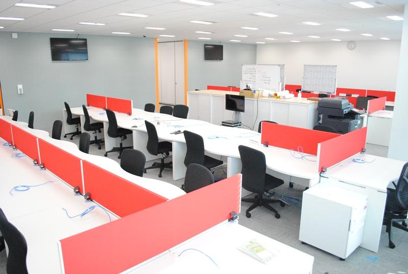 オフィス 赤 レッド