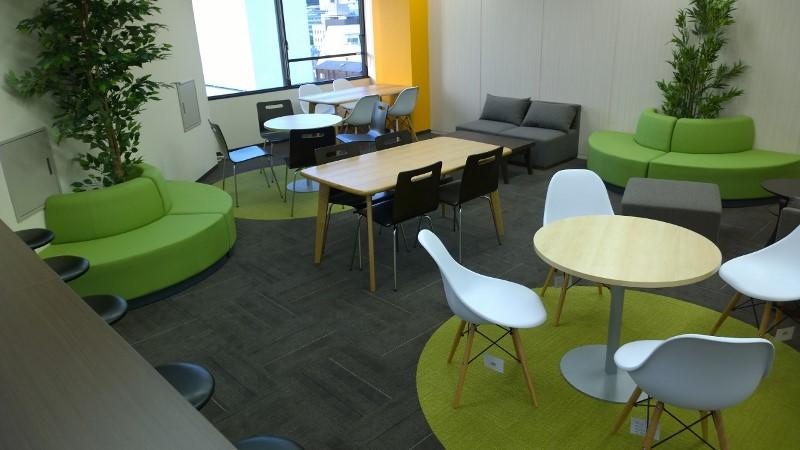 オフィス リフレッシュルーム 緑 グリーン