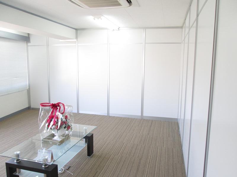 オフィス ミーティングルーム 白 ホワイト