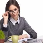 仕事中の目の疲れを何とかしたい!オフィスでおすすめのPCメガネ10選