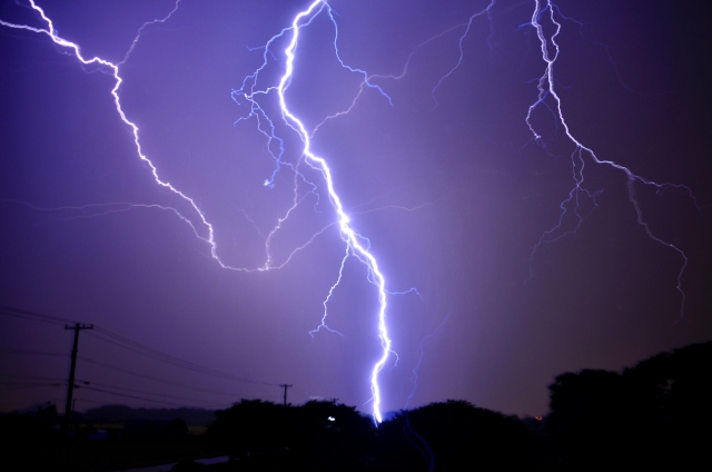 7~9月は要注意!オフィスにおける雷対策について画像1