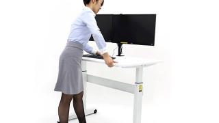 立って仕事するスタイル。スタンディングデスクのメリット・デメリット