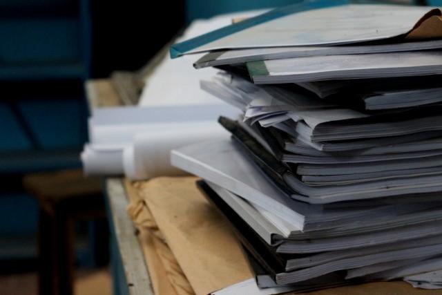 デスクの上の書類とオサラバ。超簡単書類整理術│画像1