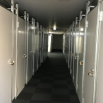 フロアを42部屋にしたアルミパーティション工事の事例