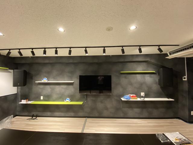 壁にあらかじめ下地補強を入れておけば選択肢が拡がります~テレビの壁掛けにも、棚板の取付にも~